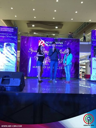 Matteo Guidicelli graces the Sparkling Holiday Tree Lighting at the Robinson's Place Antipolo