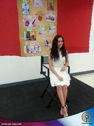 Julia Montes Avon store visit